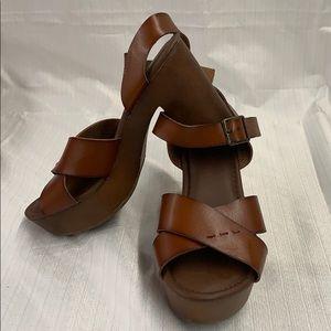 Universal Thread Brown Estella Platform Heels